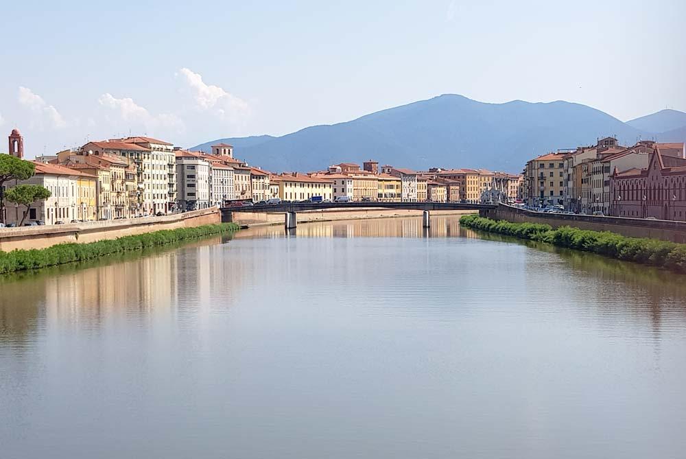 river in pisa italy