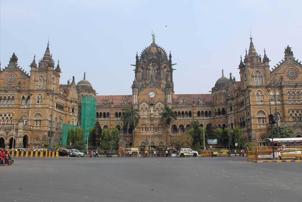 Chhatrapati-Shivaji-Maharaj-Terminus-train-station-mumbai-bombay-india