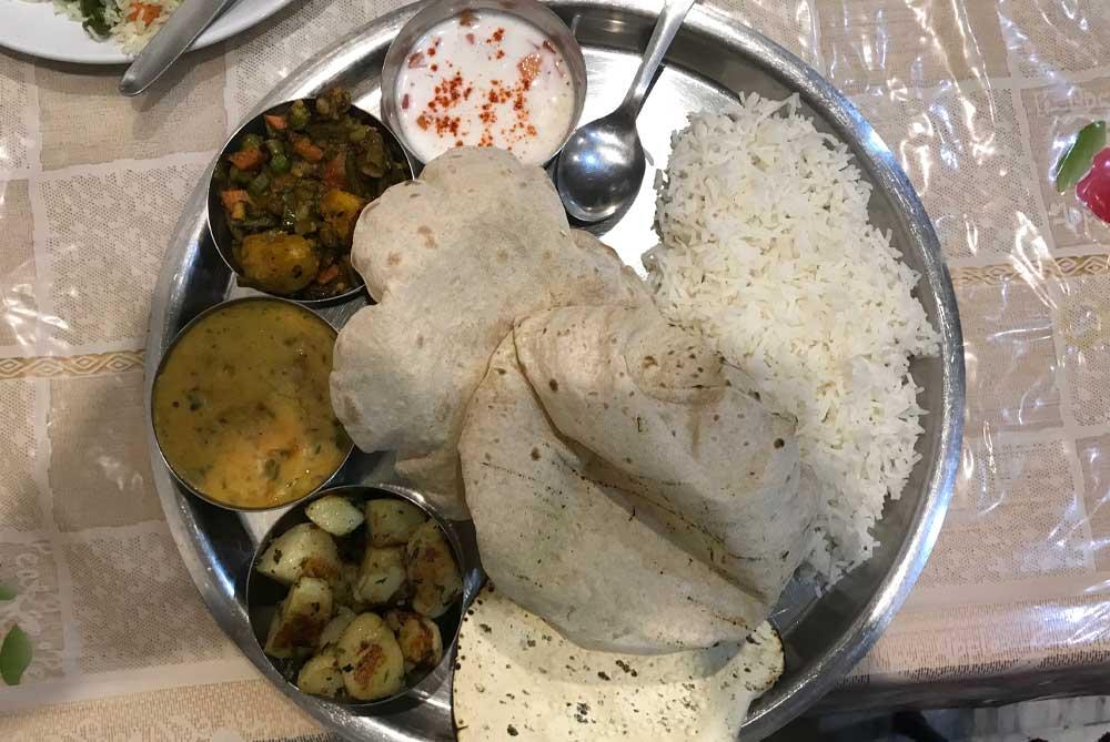 Veg-Thani-food-at-niyati-restaurant-varanasi-india