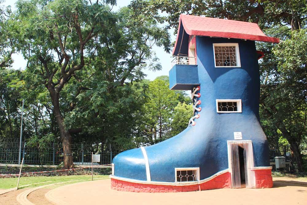 boot-Kamala-Nehru-Park-mumbai-bombay-india