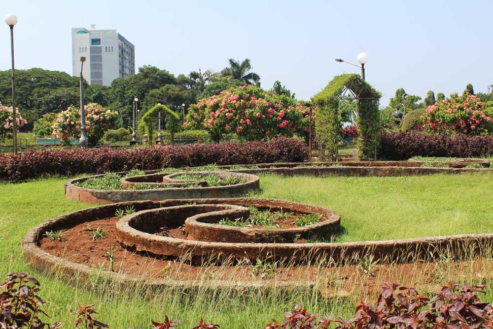 hanging-gardens-mumbai-bombay-india