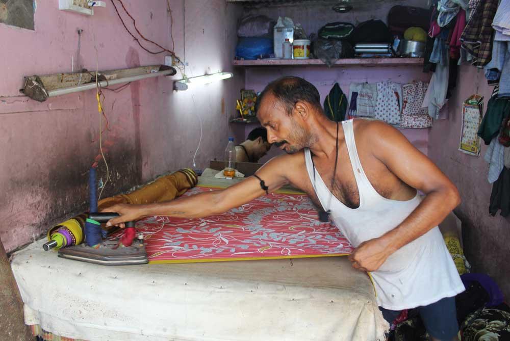ironing-dhobi-ghat-mumbai-bombay-india