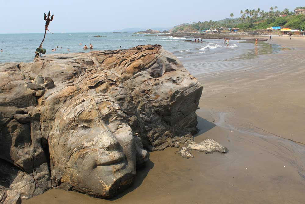 shivas-face-ozran-beach-goa-india