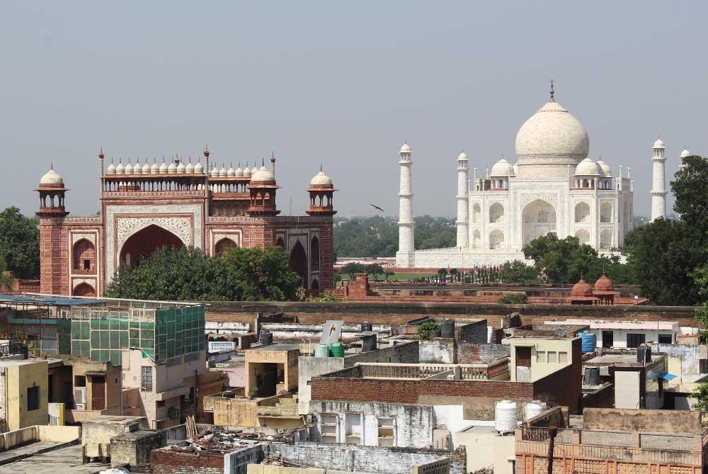 taj-mahal-from-saniya-palace-rooftop-restaurant-agra-india