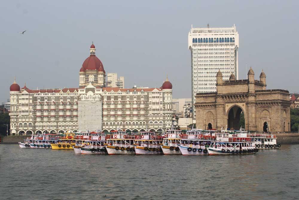 taj-palace-gateway-of-india-mumbai-bombay-india