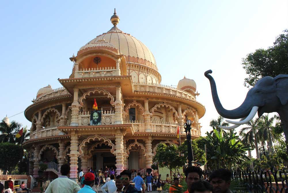 temple-in-Chhatarpur-new-delhi-india