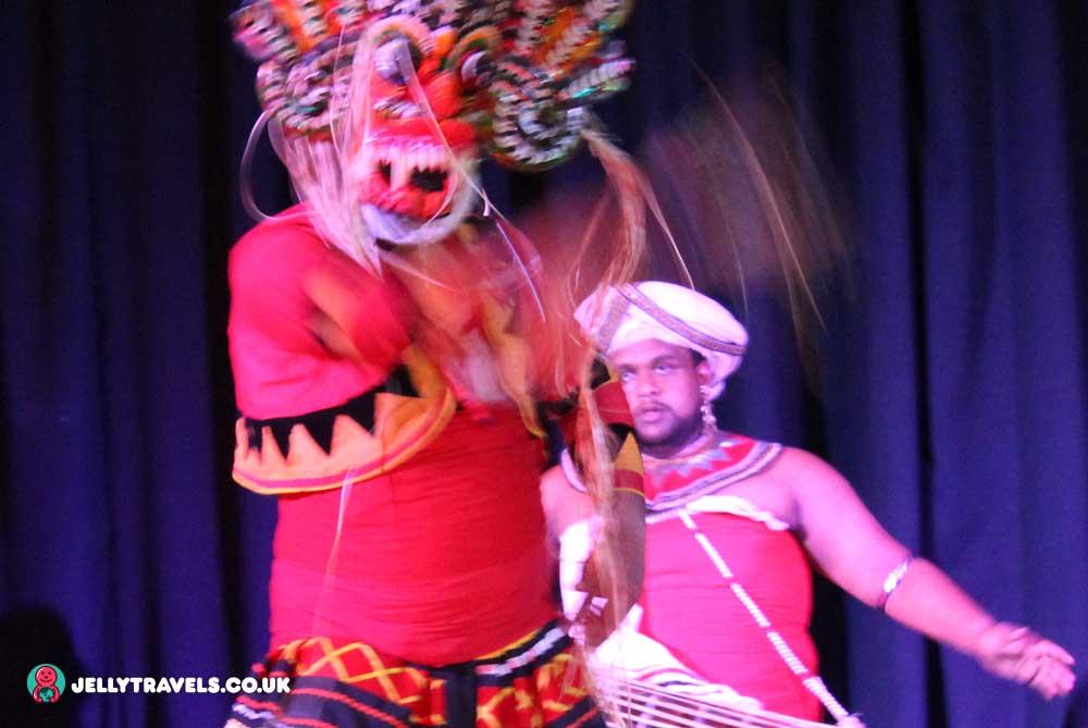 Rangaari-Kandy-Cultural-Dance-Show-kandy-sri-lanka