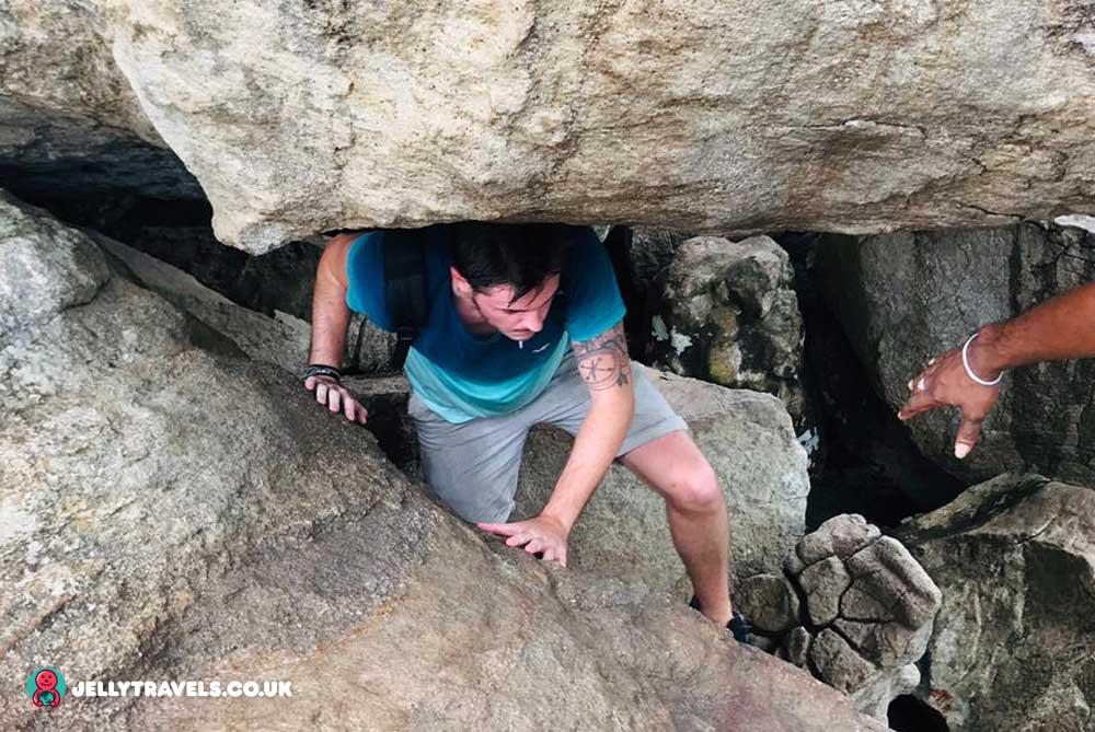 climbing-Pidurangala-Rock-sigiriya-sri-lanka