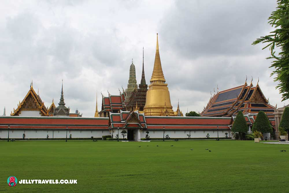 grand-palace-outside-bangkok-thailand