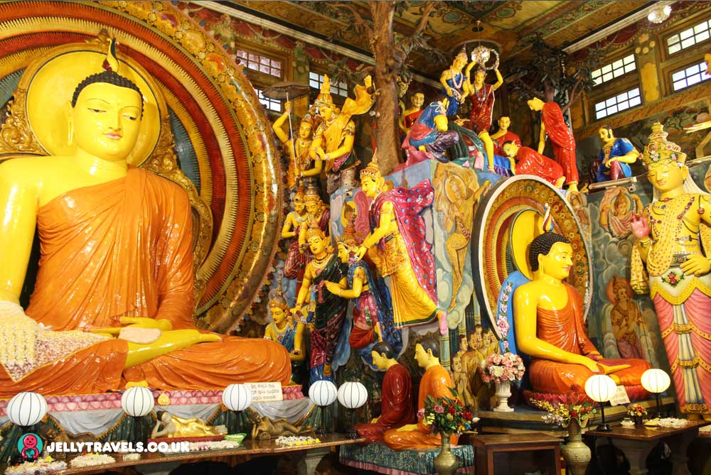 main-buddha-statue-Gangaramaya-Temple-colombo-sri-lanka