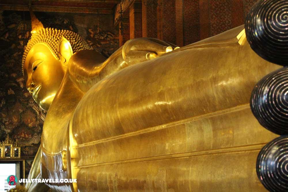 reclining-gold-buddha-wat-pho-bangkok-thailand