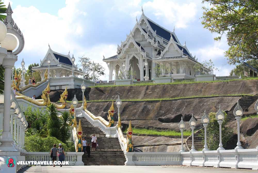 Wat-Kaew-krabi-town
