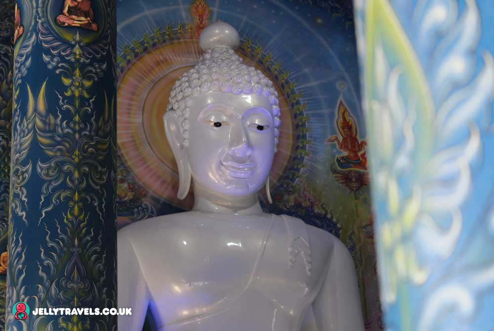 blue-temple-buddha-chiang-rai-thailand