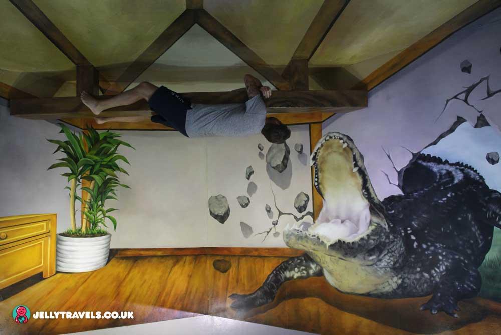 croc-trick-eye-museum-phuket-thailand