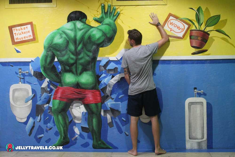 hulk-trick-eye-museum-phuket-thailand