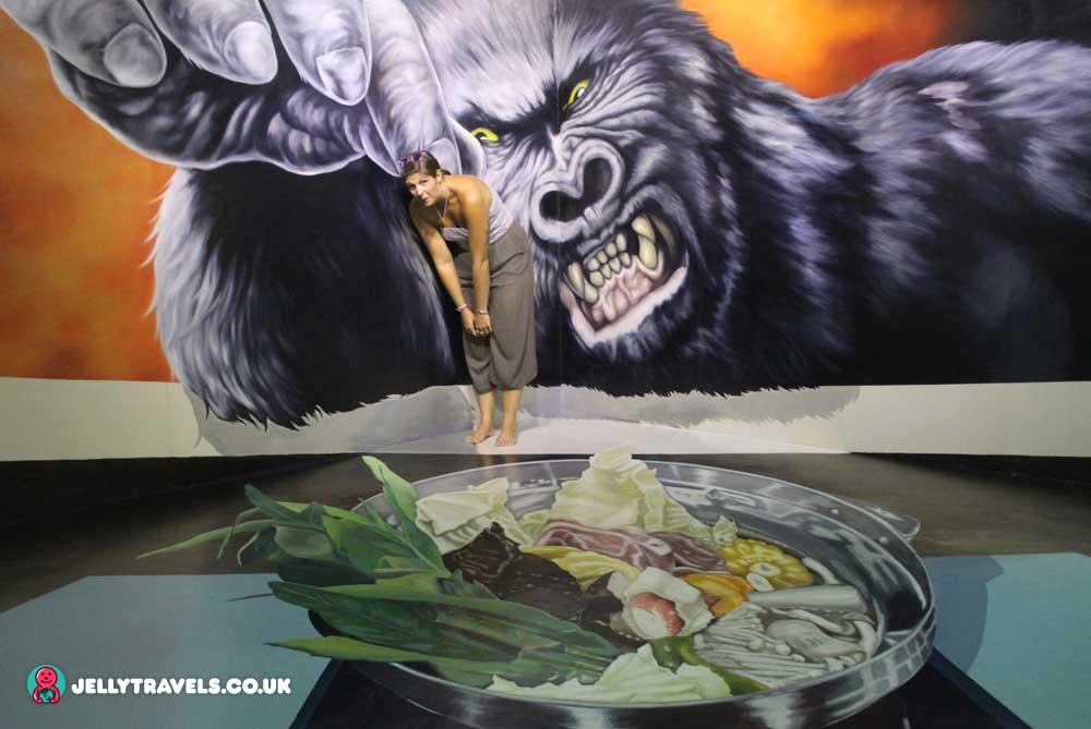 kong-trick-eye-museum-phuket-thailand