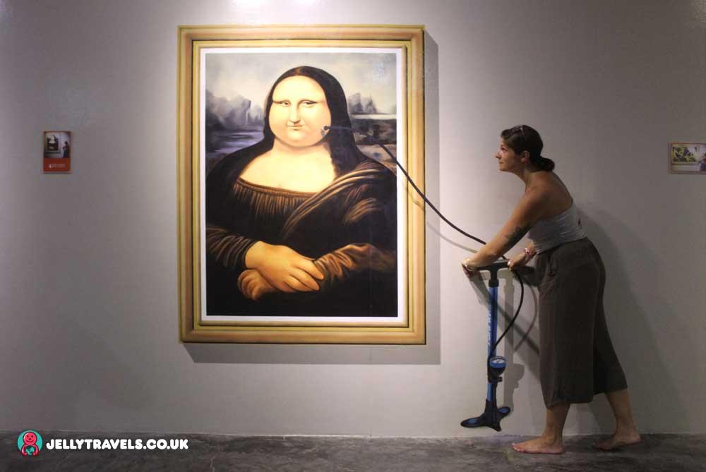 mona-lisa-trick-eye-museum-phuket-thailand