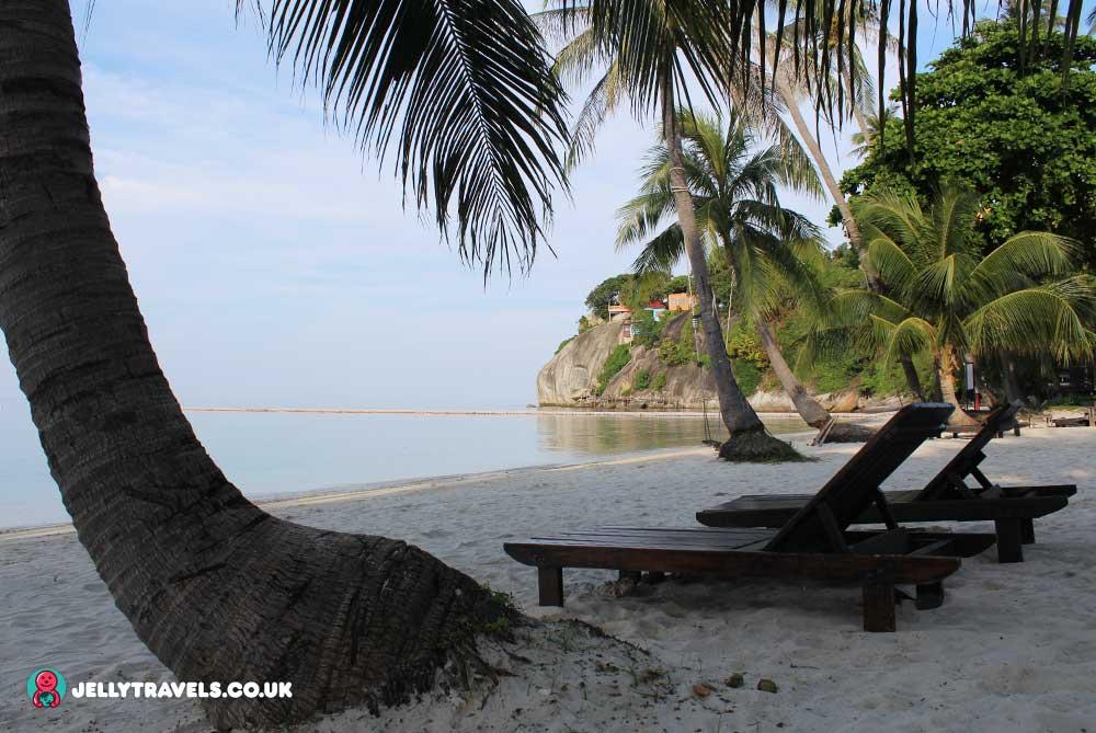 sunbeds-cocohut-beach-and-spa-resort-koh-phangan