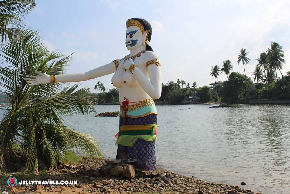 water-statue-Wat-Phra-Yai-big-buddha-temple-ko-samui-thailand