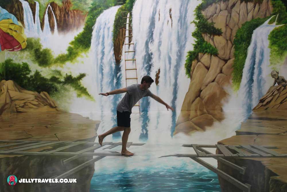 waterfall-trick-eye-museum-phuket-thailand