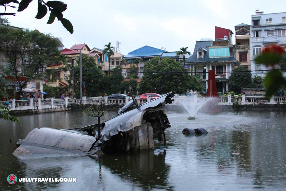 B-52-Wreckage-on-Huu-Tiep-Lake-hanoi-vietnam