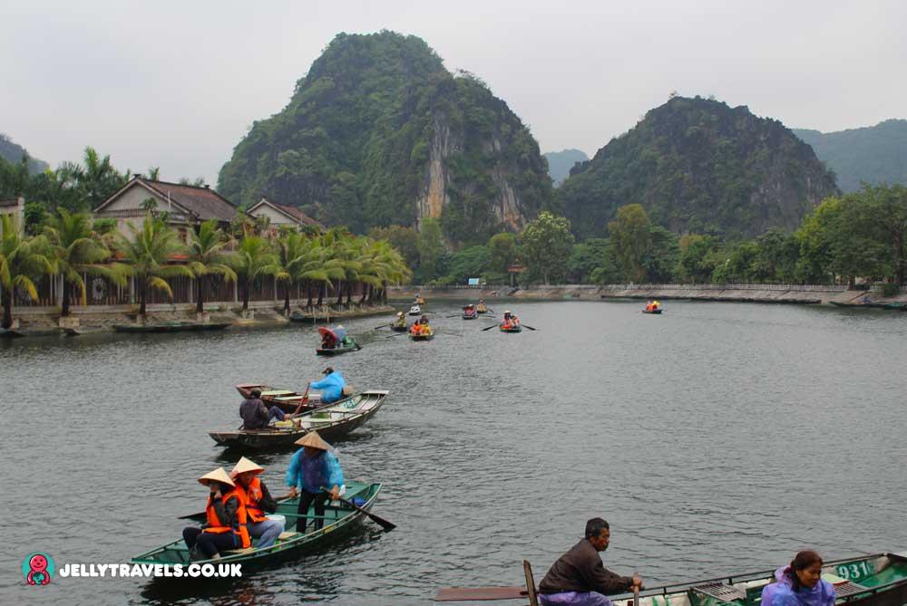 Hoang-Long-River-hanoi-vietnam