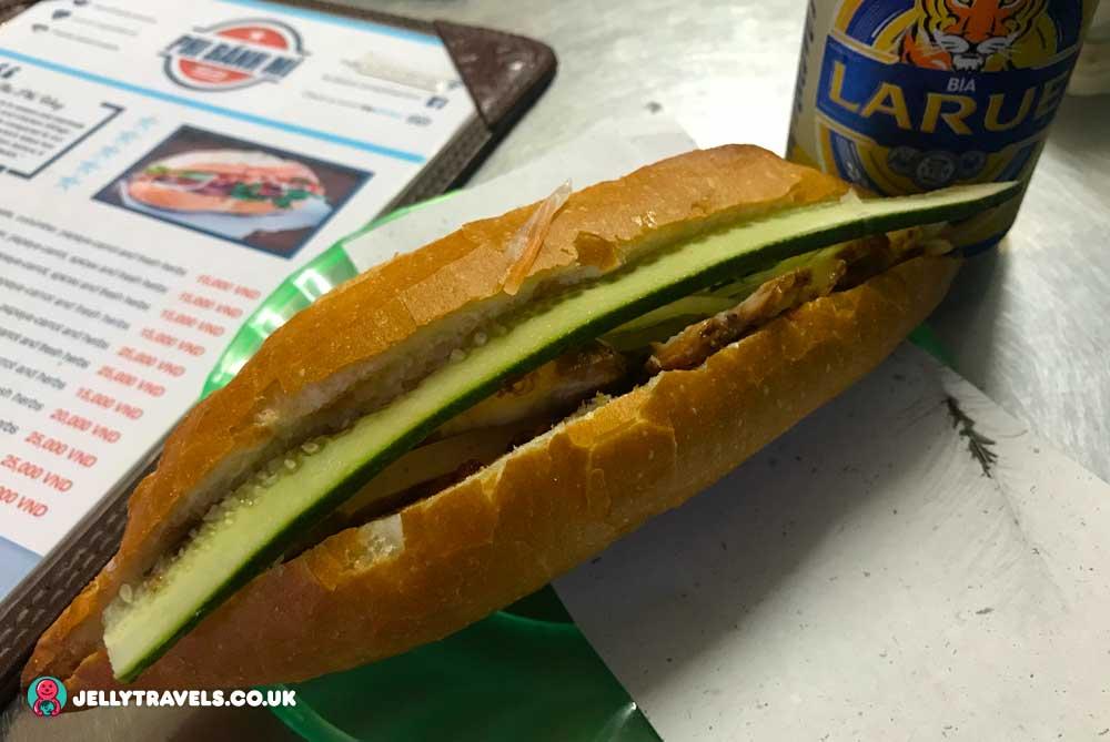 phi-banh-mi-food-hoi-an-vietnam