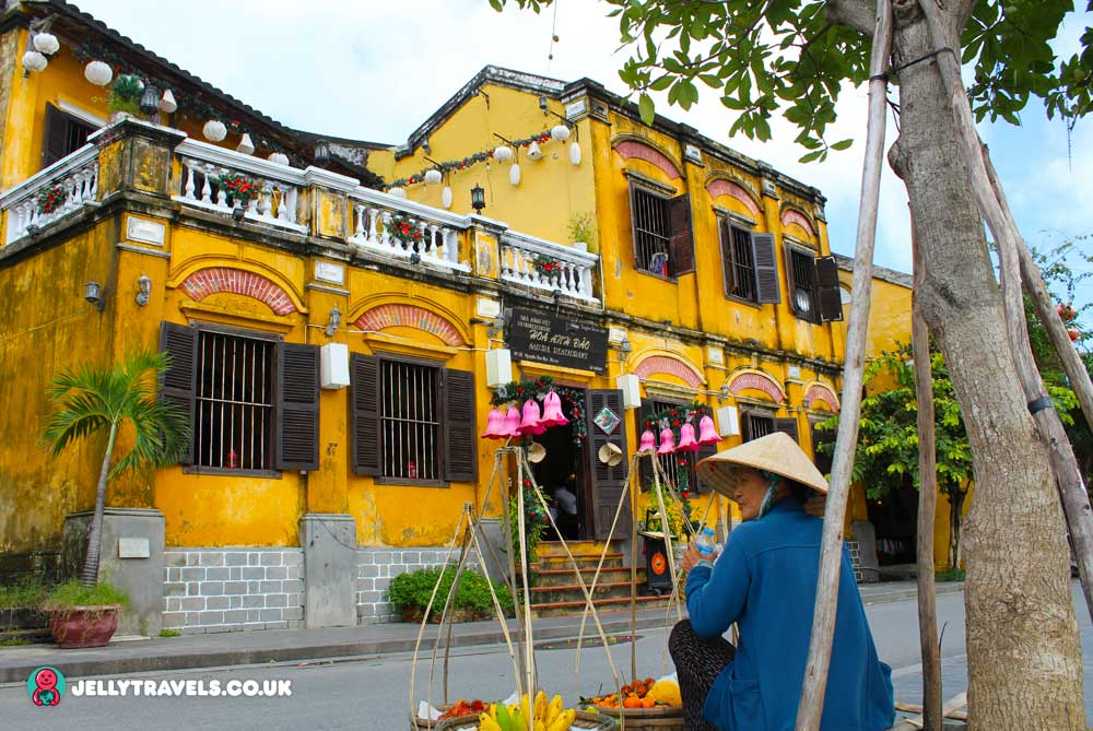restaurant-hoi-an-vietnam