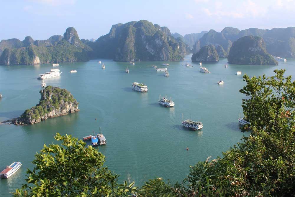 view-tip-top-island-ha-long-bay-vietnam