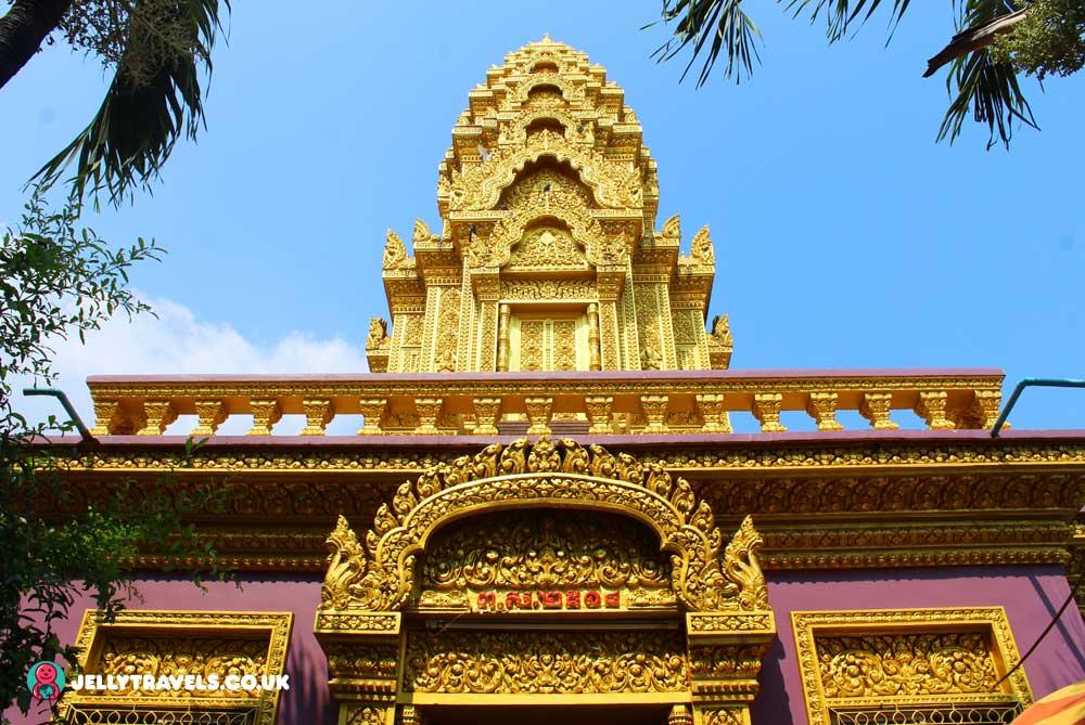 Wat-Ounation-temple-phnom-penh-cambodia