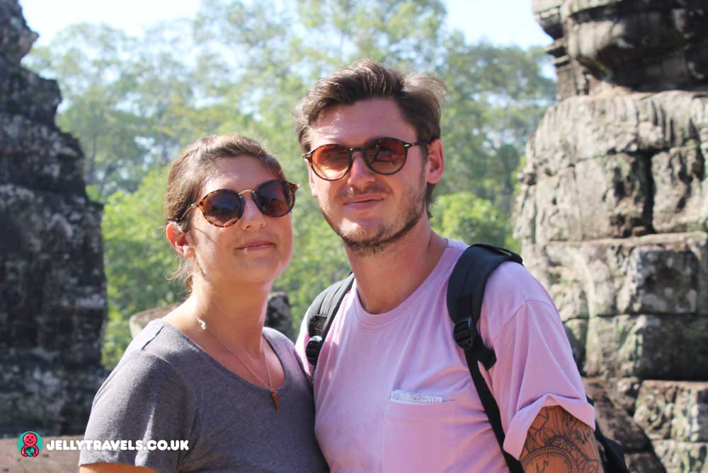 angkor-thom-temple-couple-siem-reap-cambodia