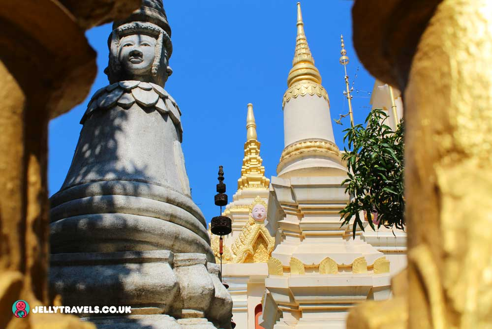 wat-botum-valley-temple-phnom-penh-cambodia