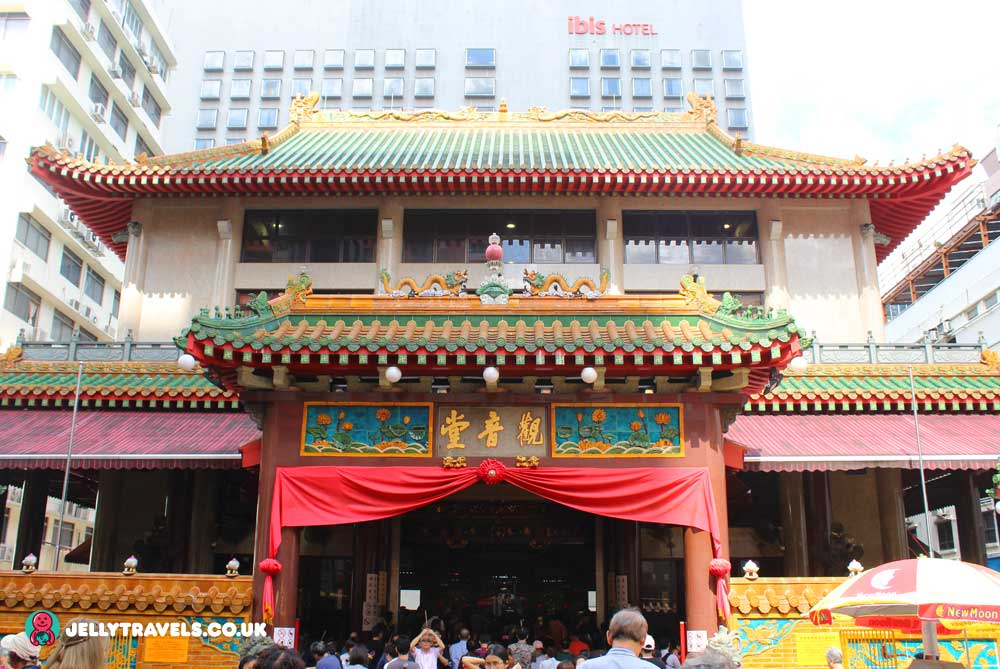 Kwan-Ina-Thong-Hood-Cho-Temple-singapore