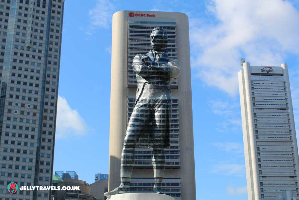 Sir-Stamford-Raffles-camouflage-statue-singapore