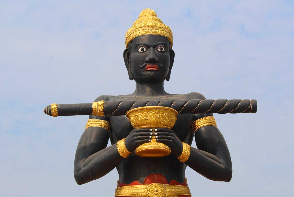 black-man-statue-feature-battambang-cambodia