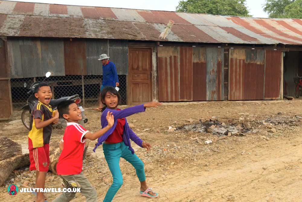 children-playing-battambang-cambodia