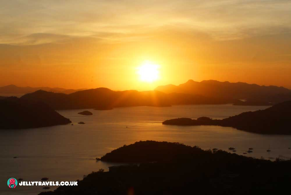 Mount-Tapyas-sunset-view-coron-palawan-philippines