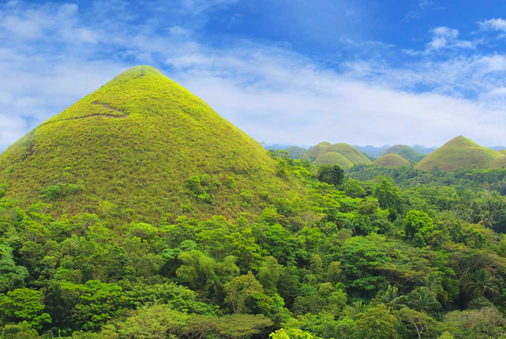 chocolate-hills-feature-bohol-philippines