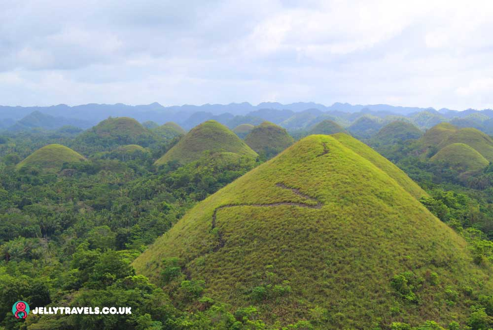 chocolate-hills-viewpoint-bohol-philippines