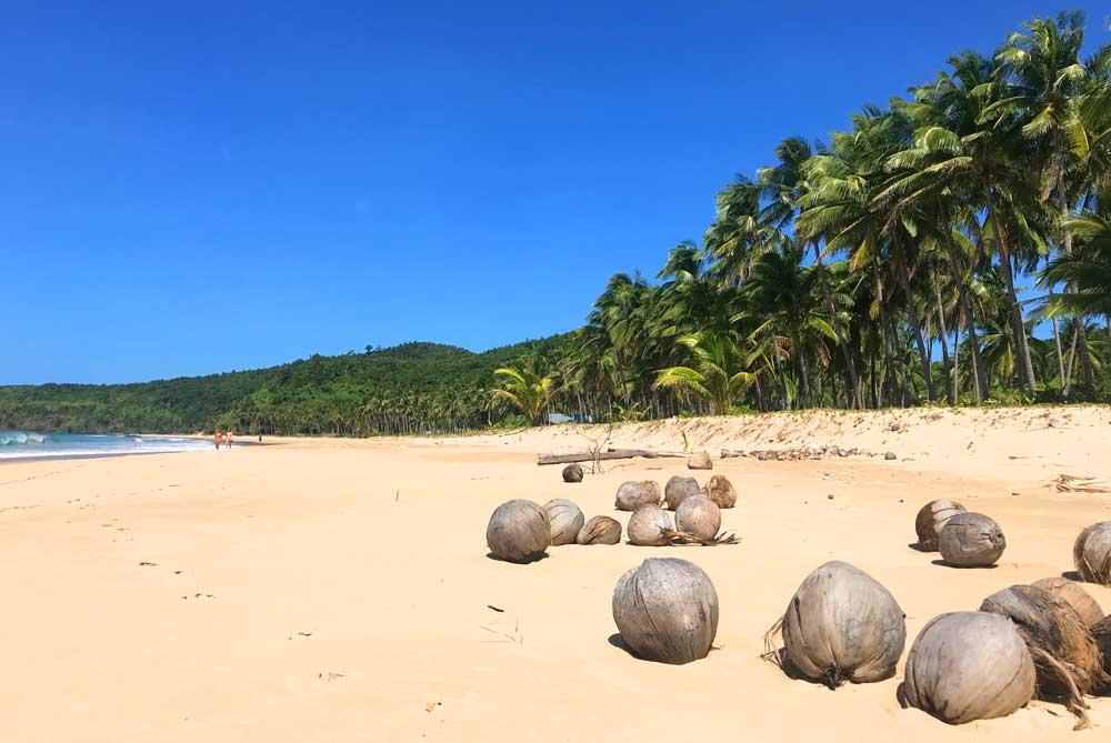 el-nido-nacpan-beach-palawan-philippines