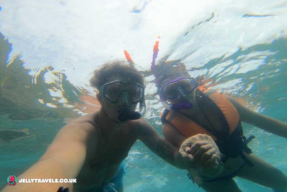 el-nido-snorkeling-palawan-philippines