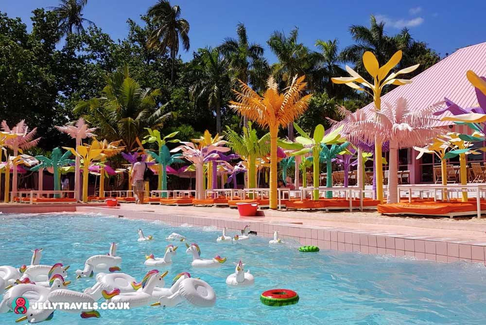 happy-beach-cebu-philippines