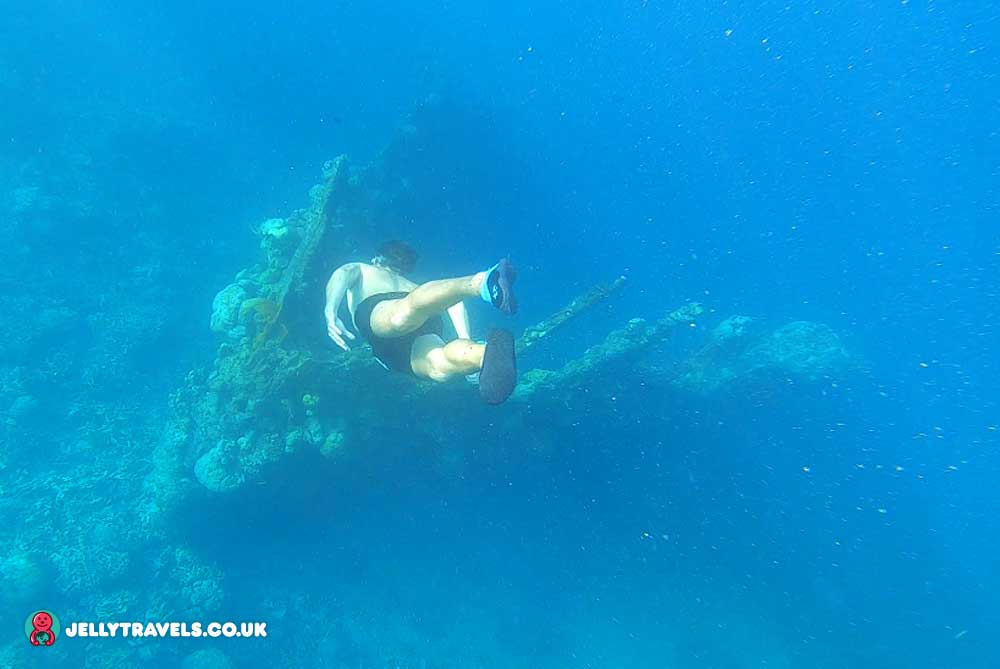 skeleton-wreck-free-dive-ultimate-tour-coron-palawan-philippines